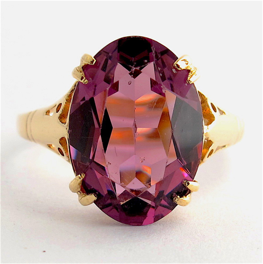 9ct yellow gold oval amethyst ring image 0