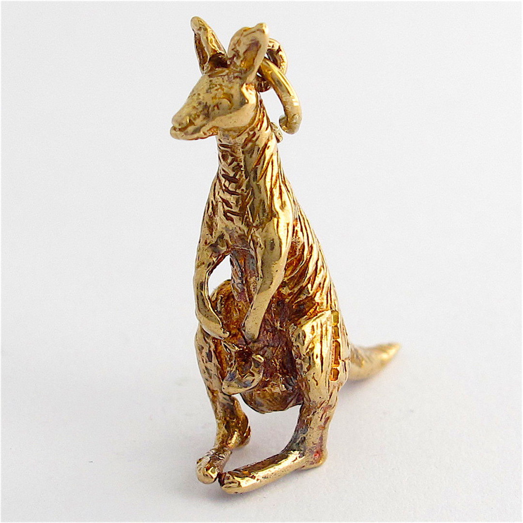 9ct yellow gold kangaroo and joey charm image 0