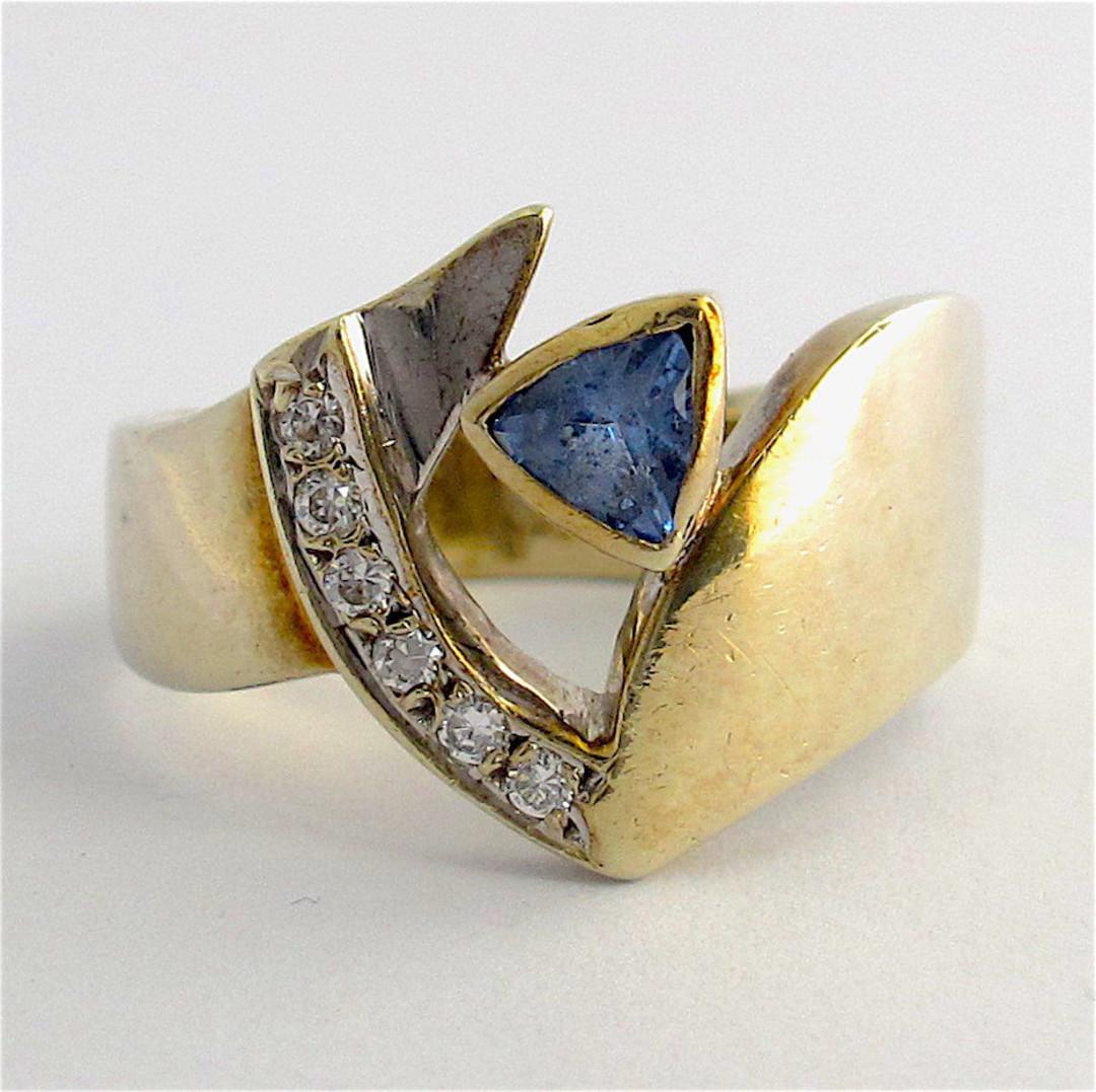 9ct white gold ceylonese sapphire and cubic zirconia ring image 0