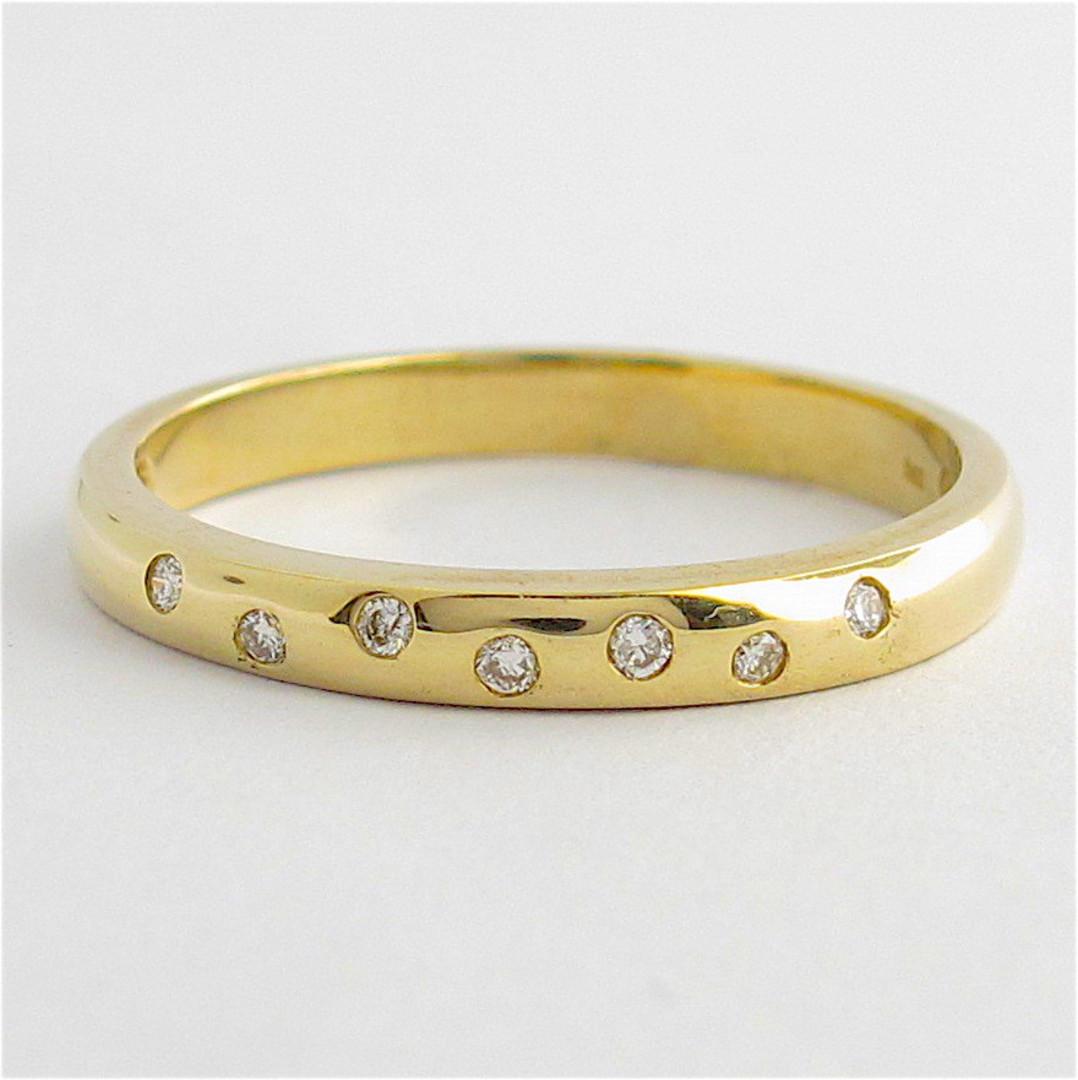 9ct yellow gold diamond band image 0