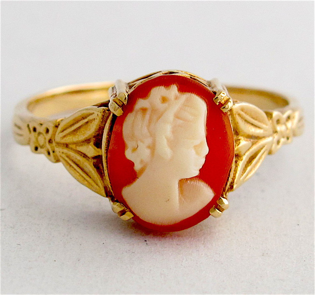9ct yellow gold shell cameo dress ring image 0