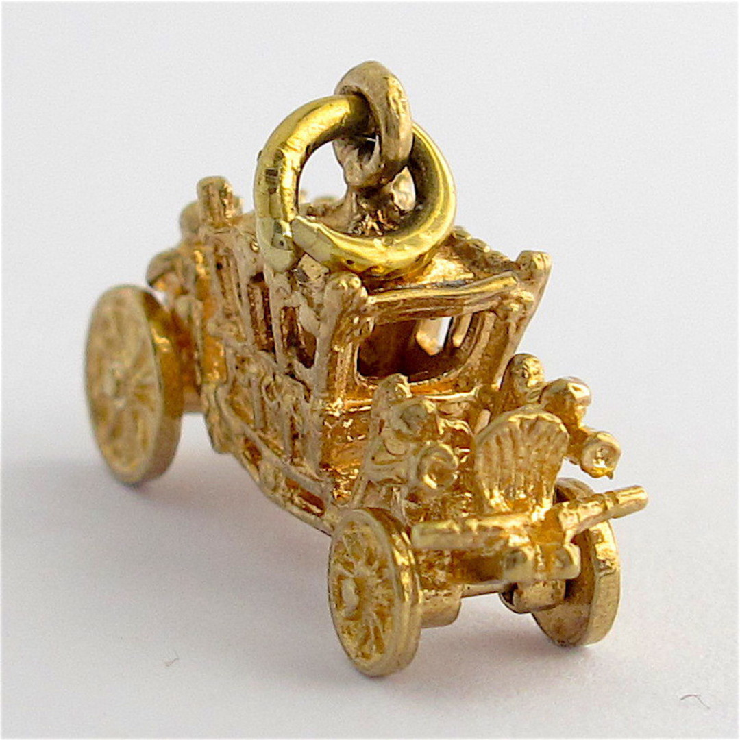 9ct yellow gold carriage charm image 2
