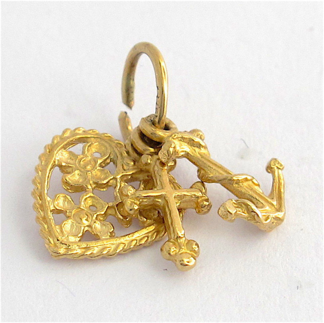 9ct yellow gold filigree faith, hope and charity charm image 0