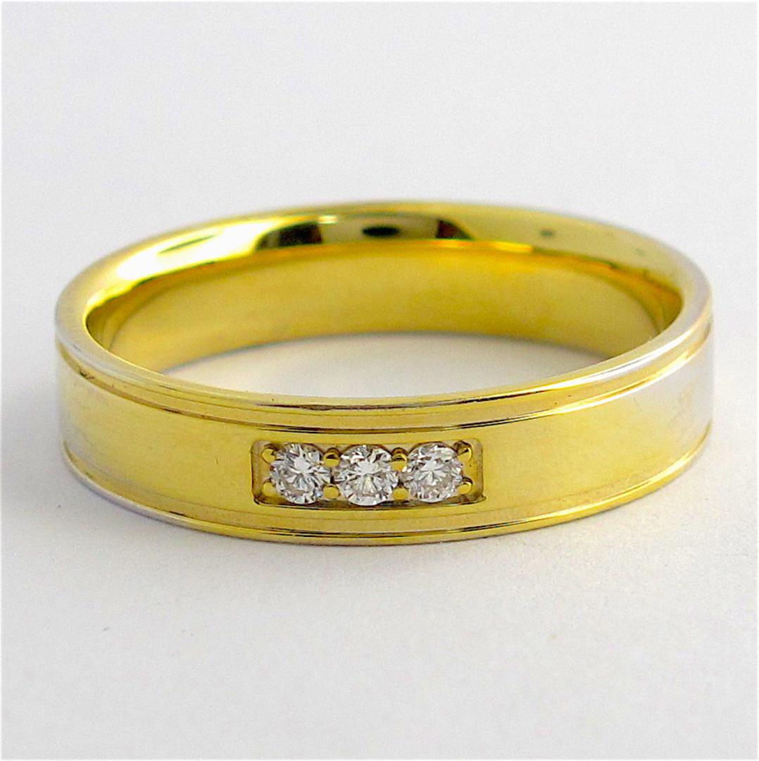 18ct yellow gold diamond set band image 0