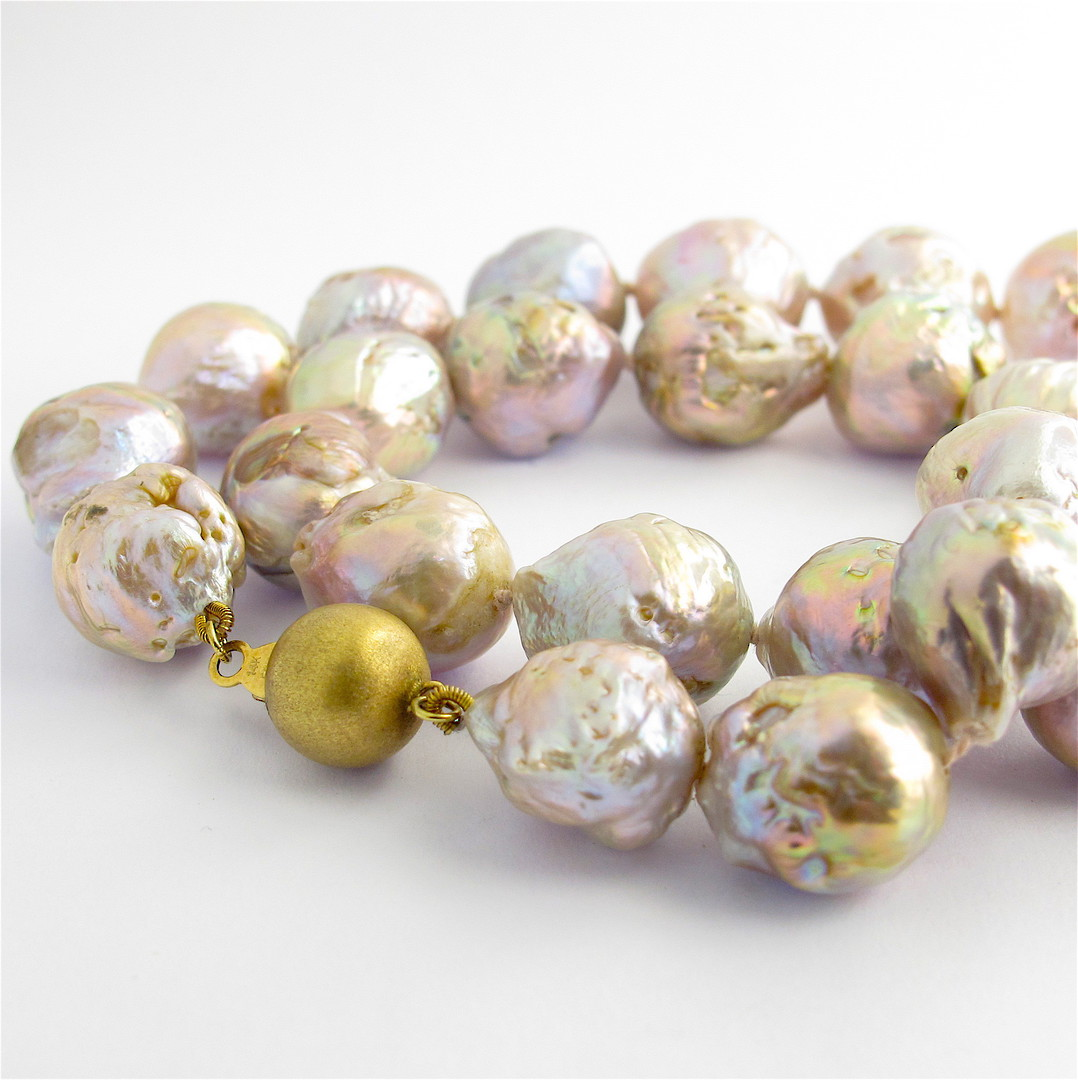 Purple/gold baroque freshwater pearl necklace with 14ct yellow gold clasp image 0