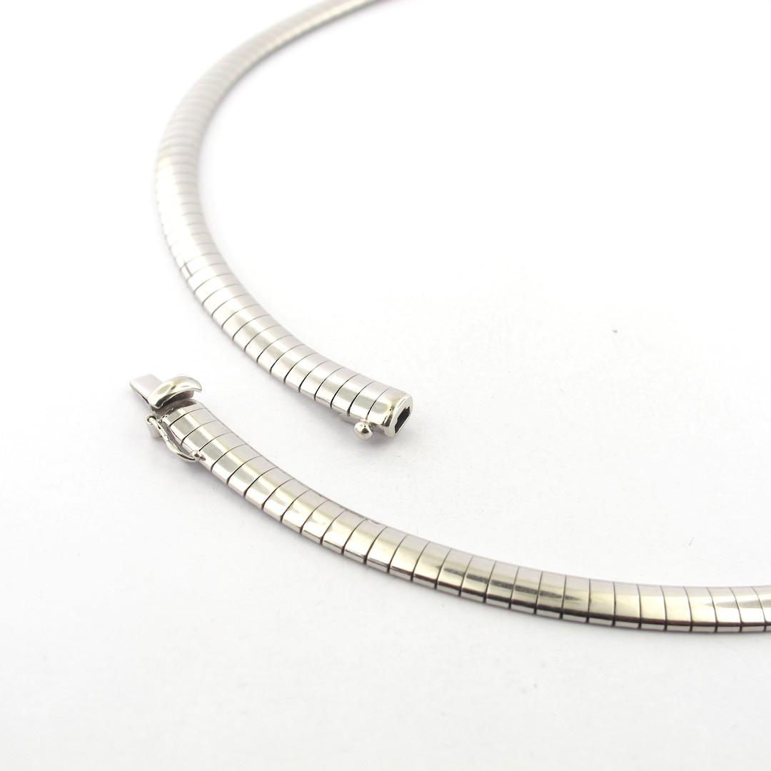 18ct white gold flat link necklace image 1