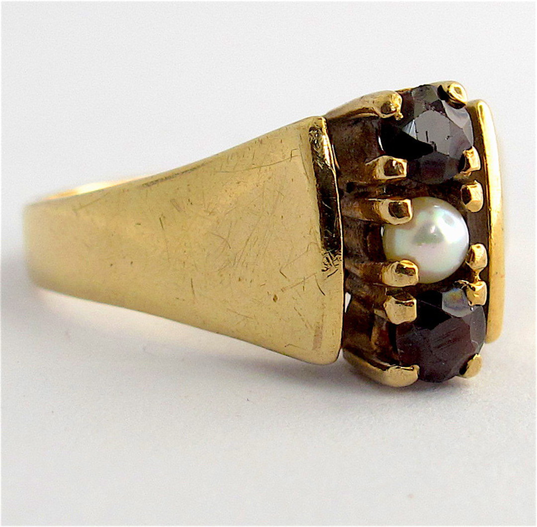 9ct yellow gold garnet and pearl dress ring image 0