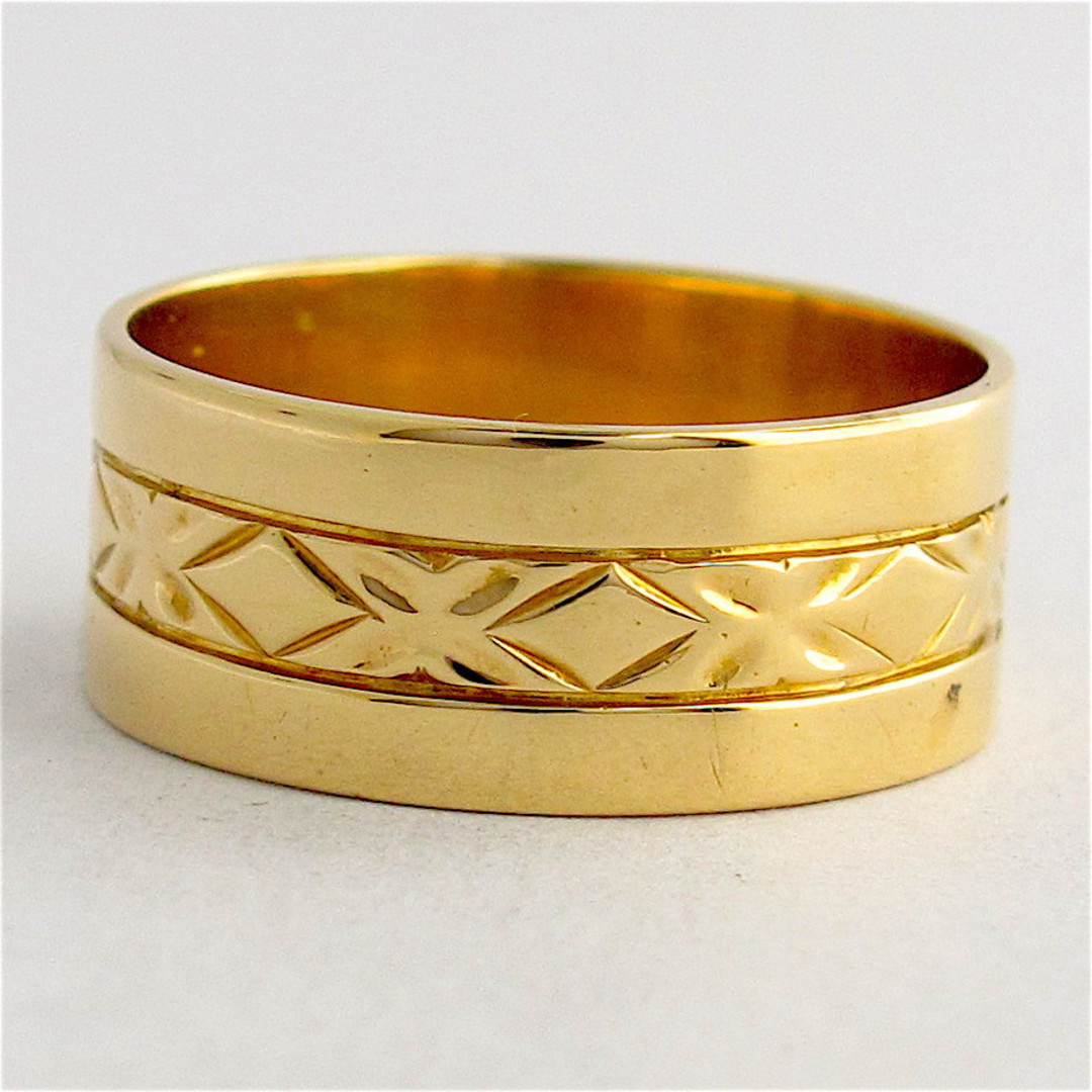 18ct yellow gold engraved band ring image 0