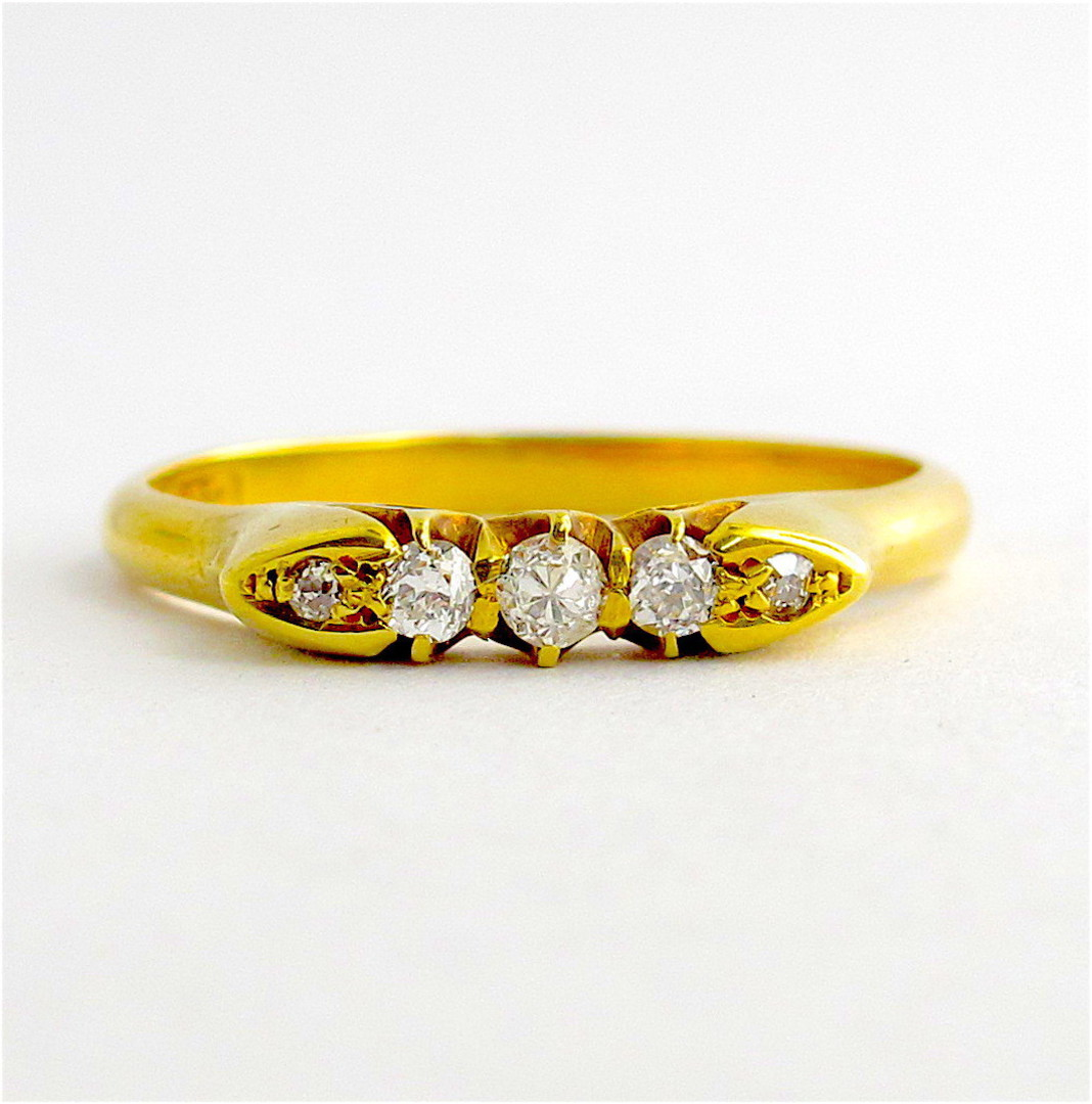 18ct yellow gold antique diamond set ring image 0