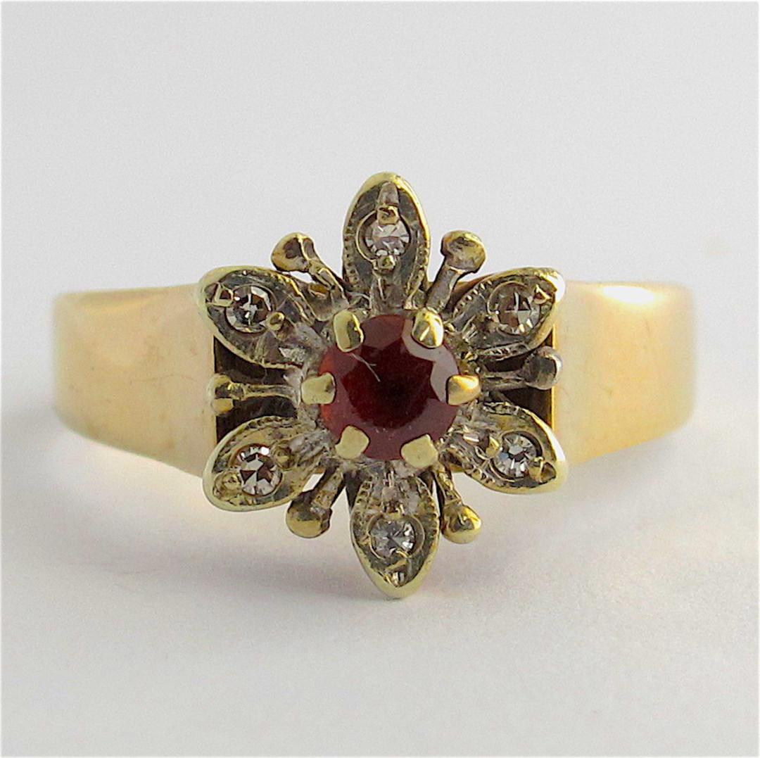 9ct yellow gold garnet and diamond ring image 0
