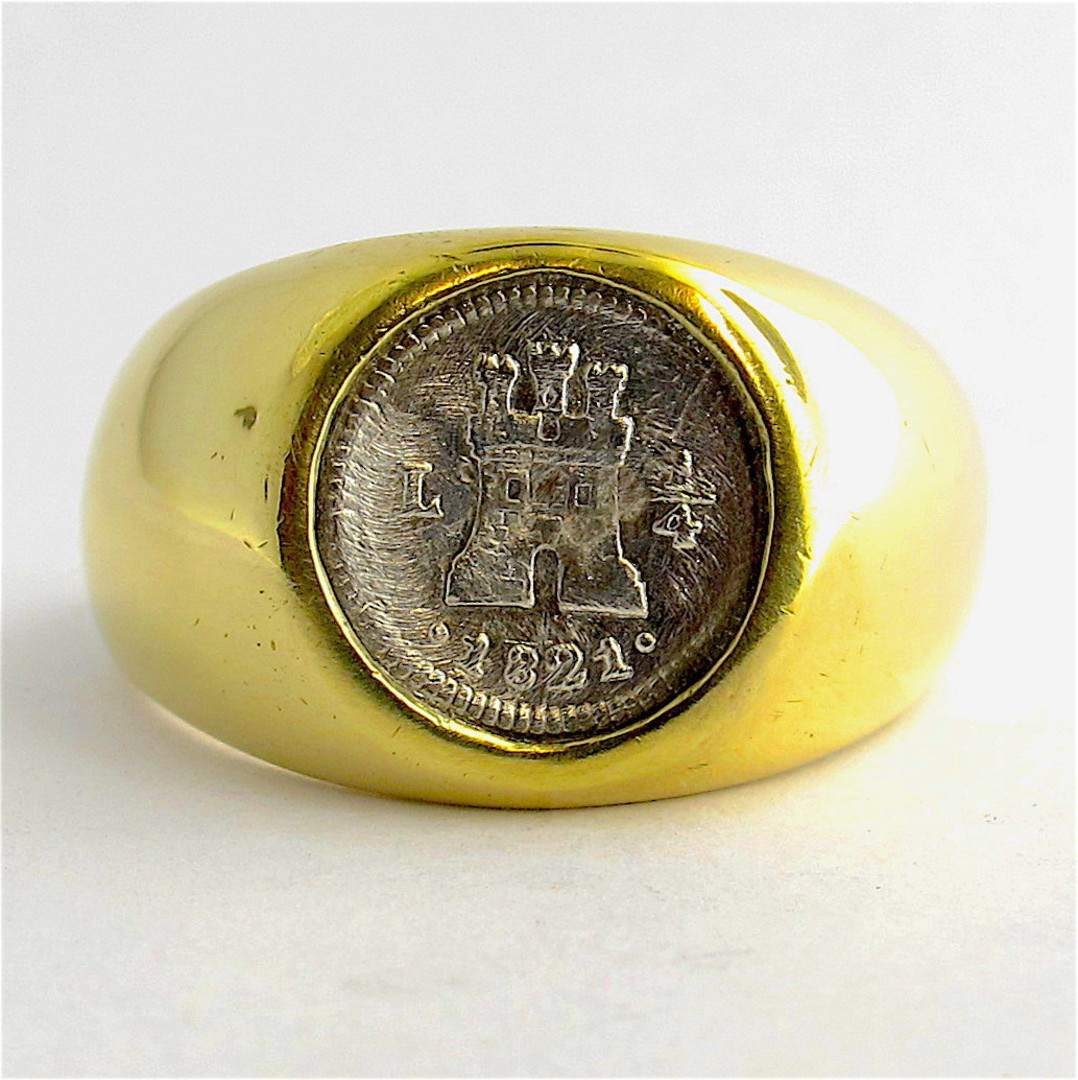 14ct yellow gold signet ring set with a spanish coin '1821' image 0