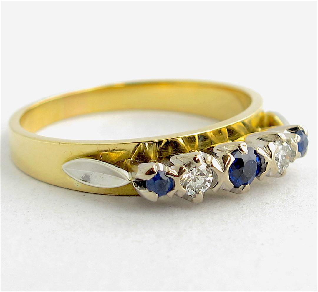18ct yellow gold ceylon sapphire and diamond ring image 1