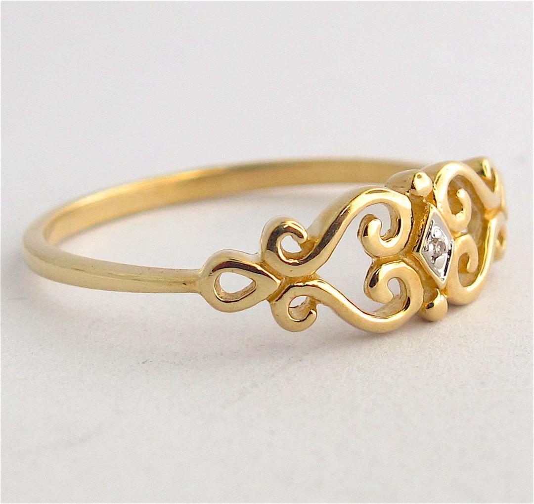 9ct yellow gold heart motif diamond set dress ring image 1