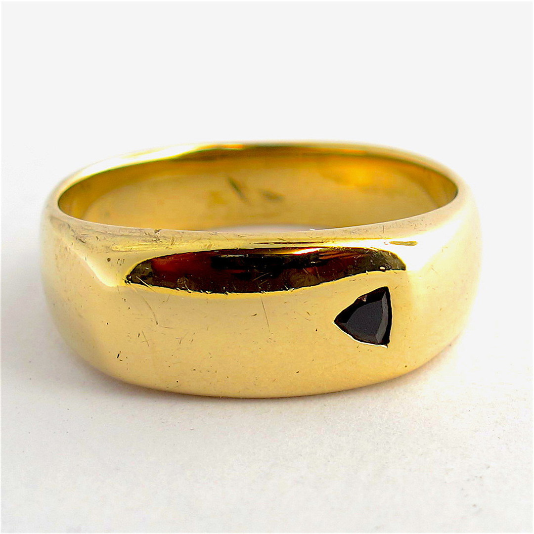Men's 9ct yellow gold black diamond set ring image 0