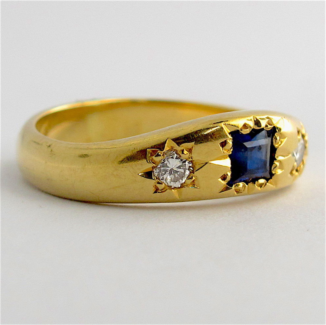 18ct yellow gold sapphire and diamond vintage style ring image 1