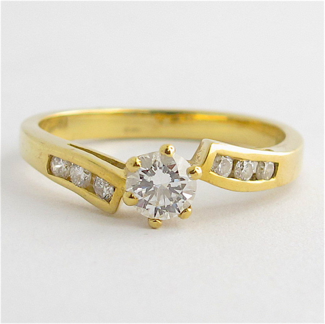 18ct yellow gold diamond solitaire with shoulder diamonds set ring image 0