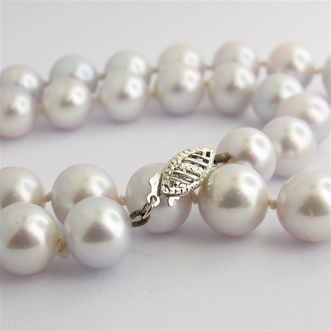 Silver freshwater pearl necklace image 1