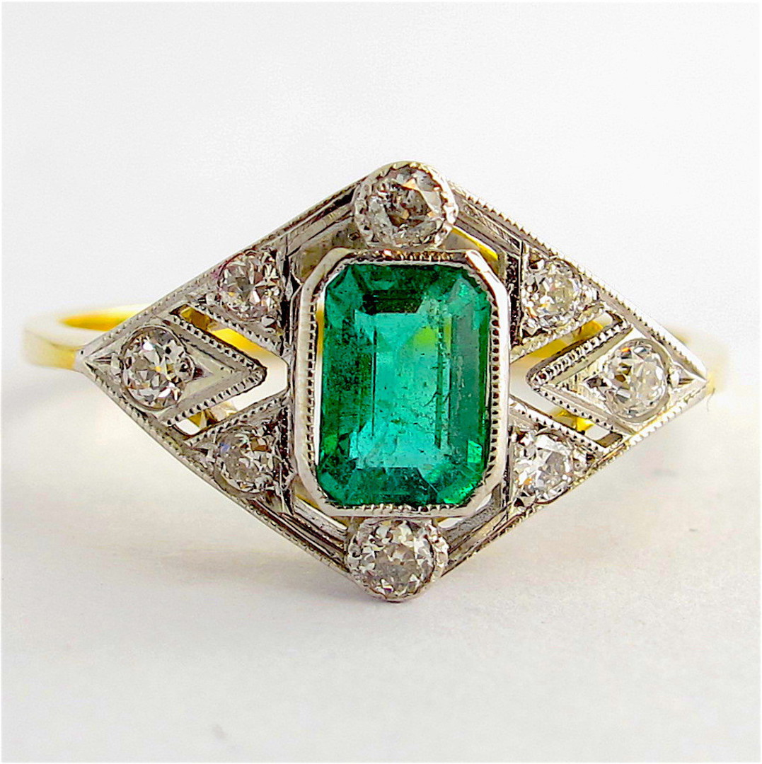 18ct yellow & white gold Art Deco style emerald and diamond ring image 0