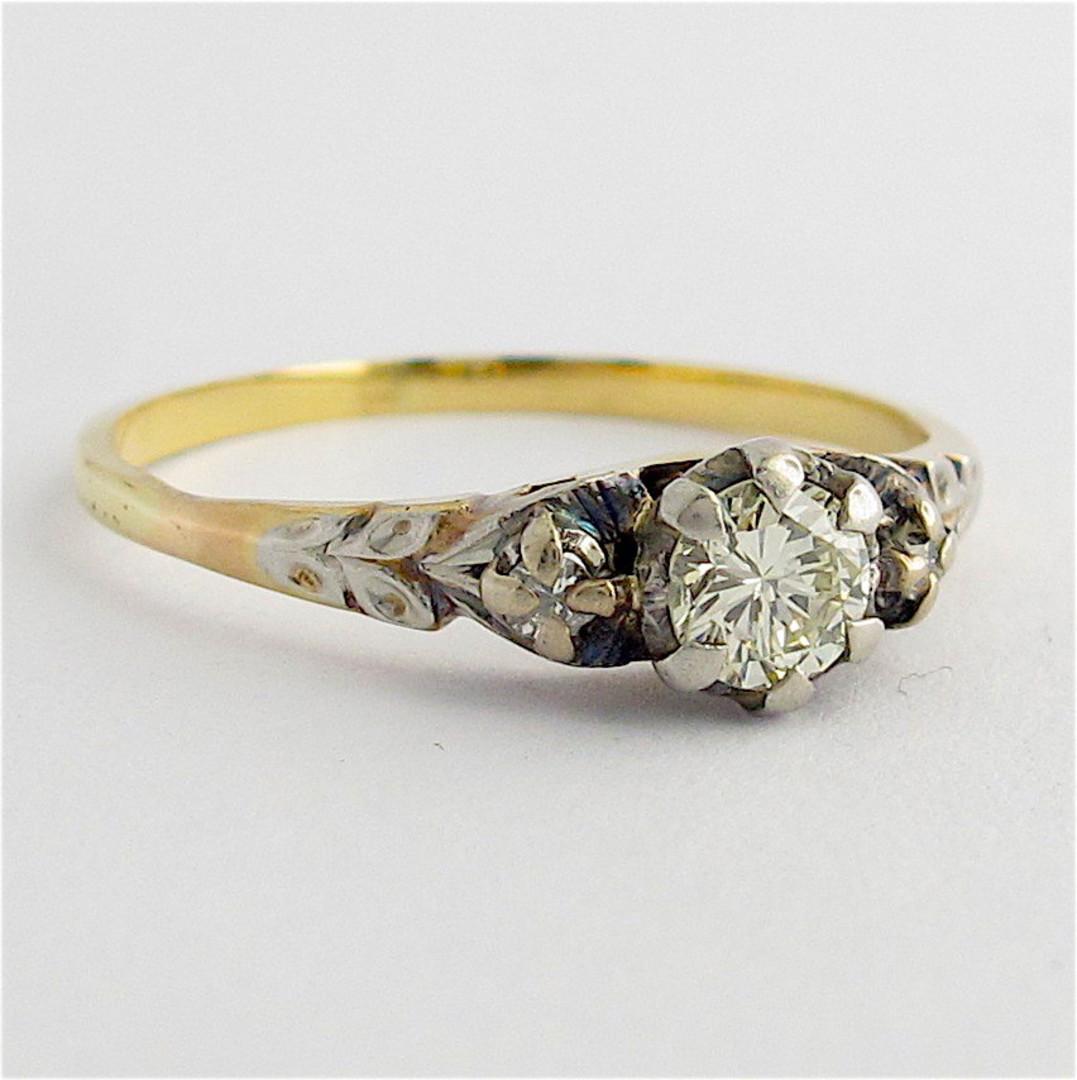 18ct yellow gold & platinum vintage diamond solitaire ring image 1
