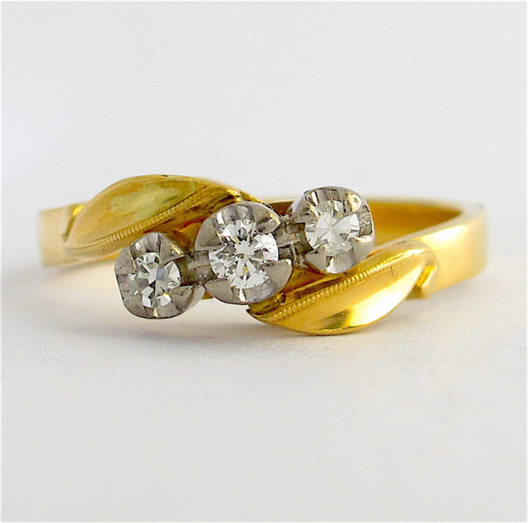 18ct yellow and white gold vintage 3 stone diamond ring image 0