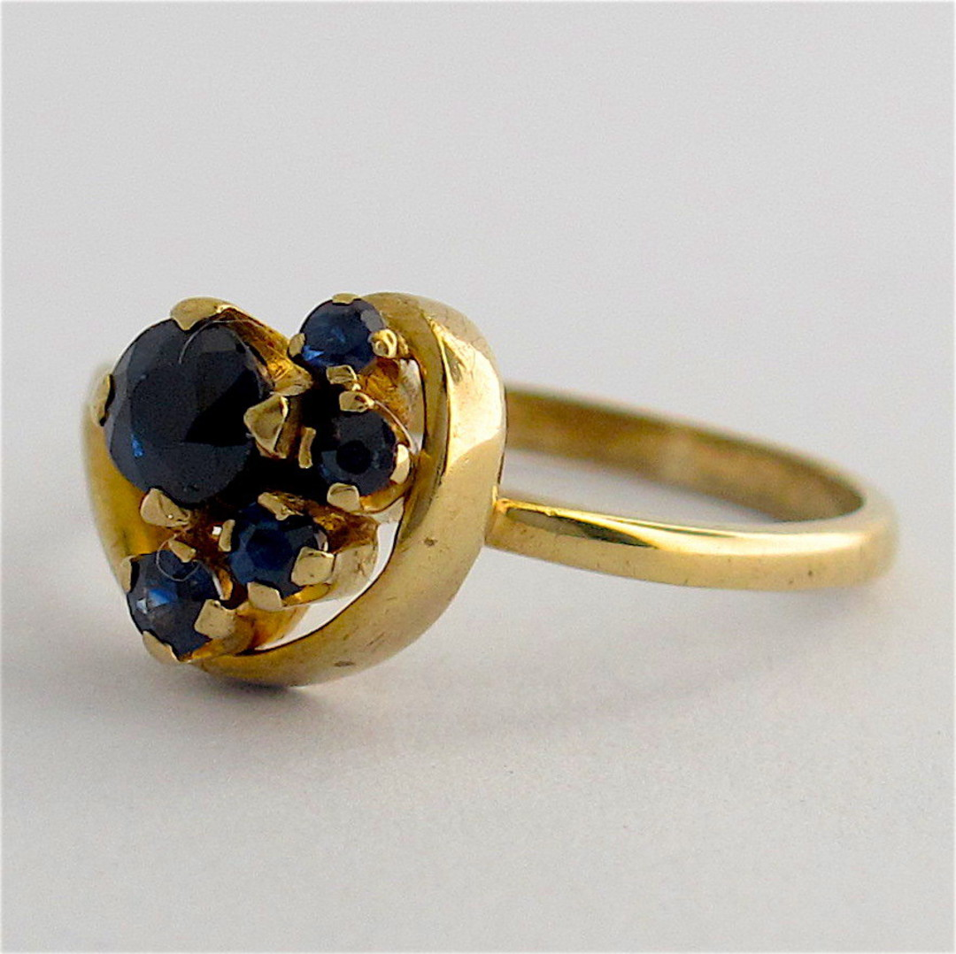9ct yellow gold sapphire cluster style ring image 1