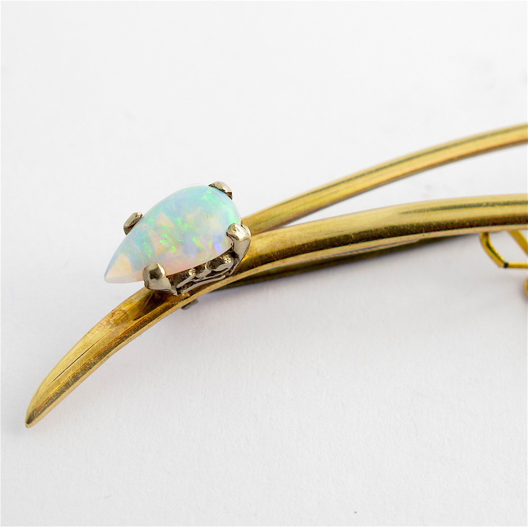 9ct yellow gold and opal brooch image 1