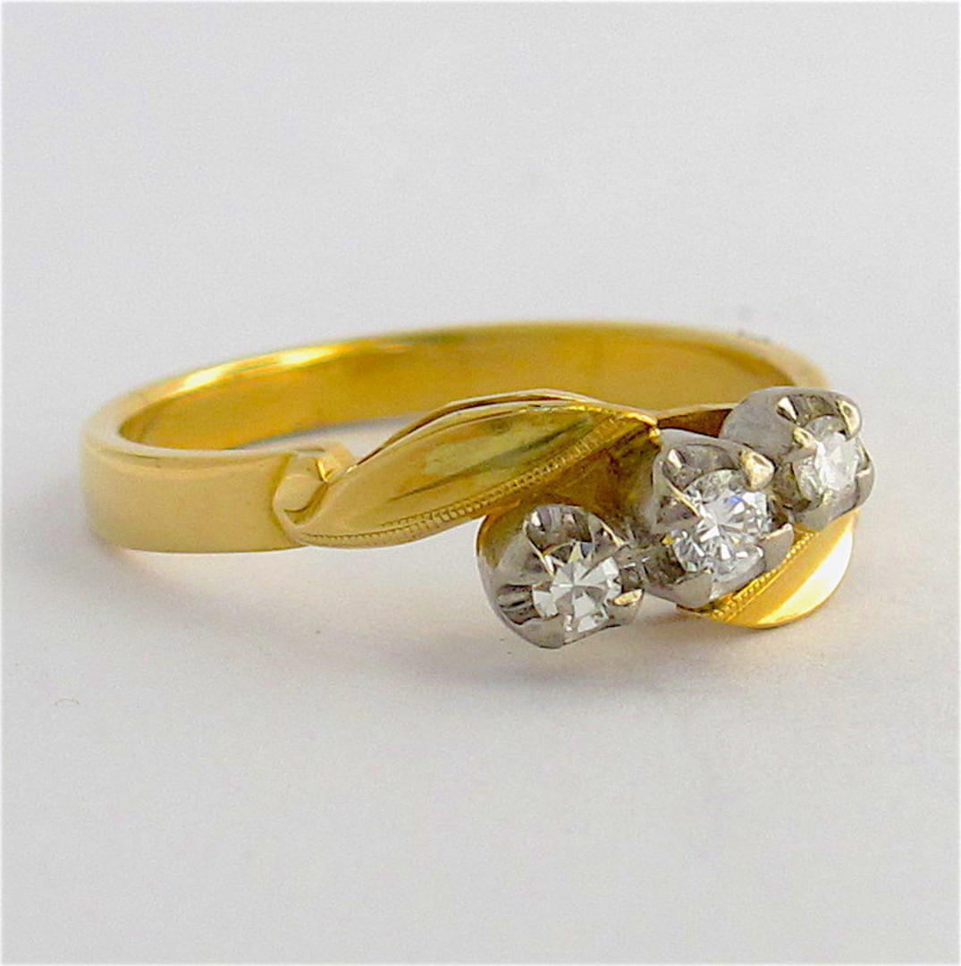 18ct yellow and white gold vintage 3 stone diamond ring image 1