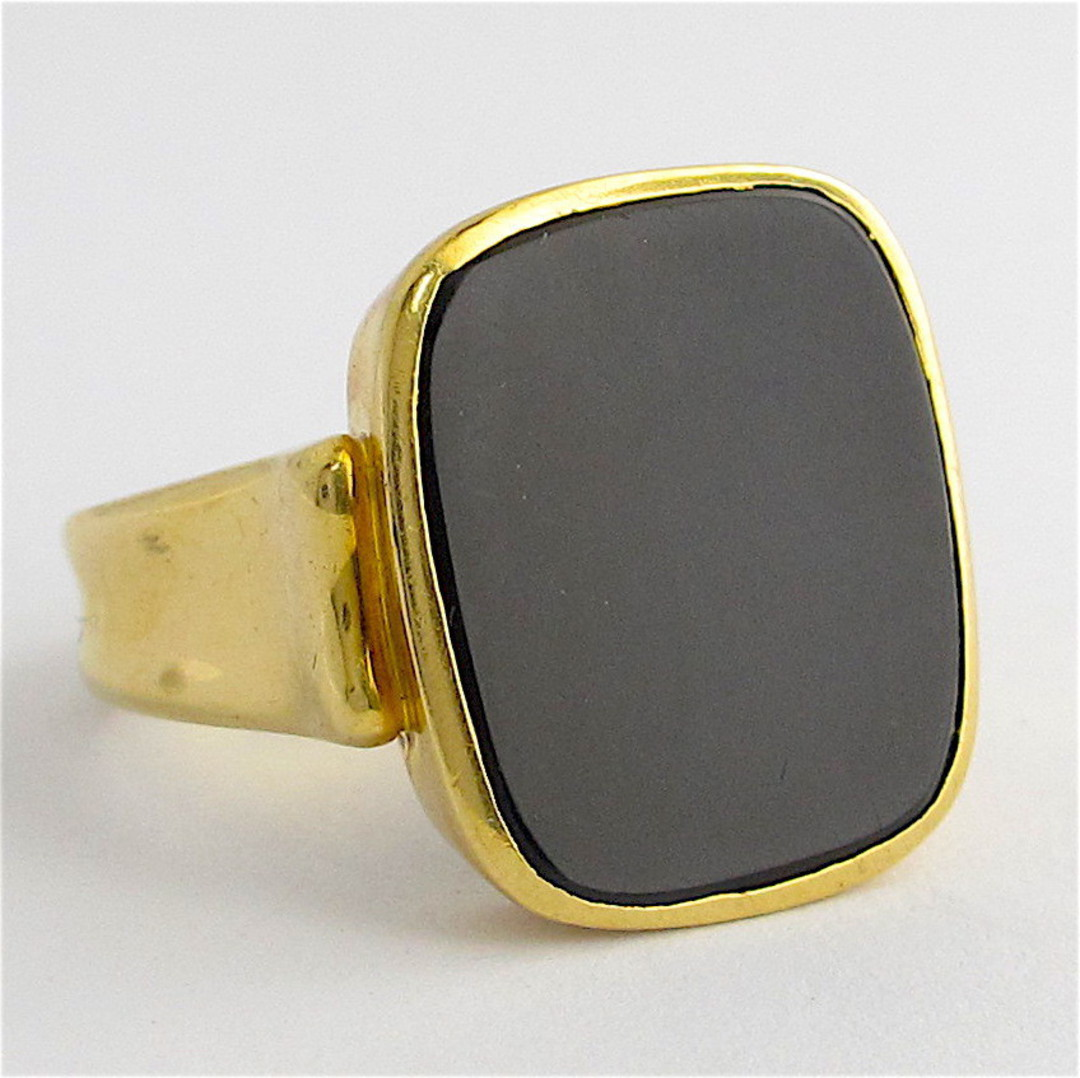 18ct yellow gold and onyx dress ring image 0