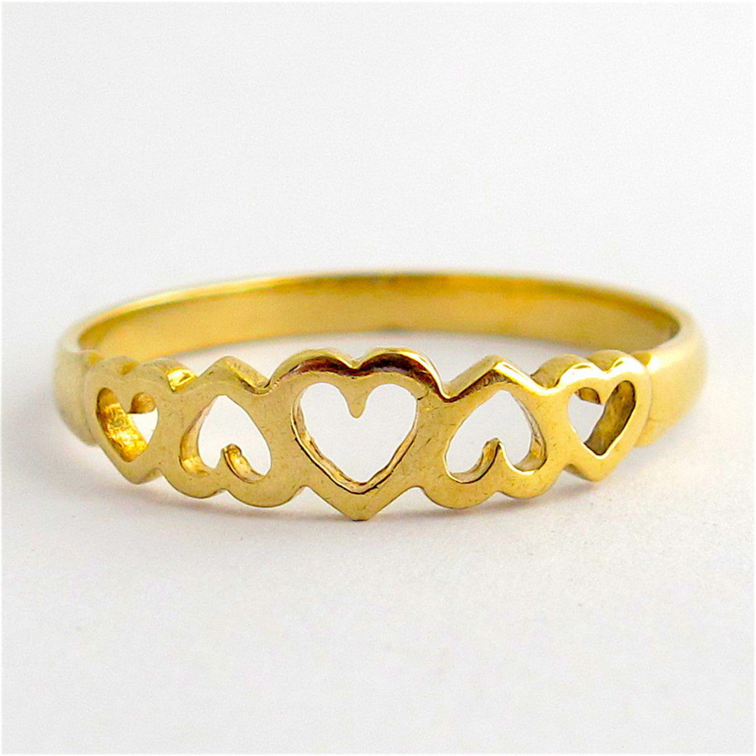 9ct yellow gold heart motif dress ring image 0