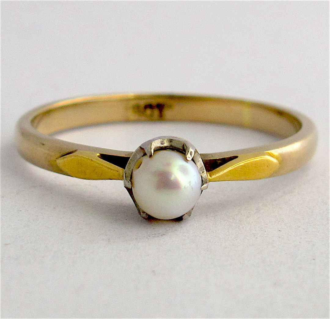 9ct yellow gold pearl ring image 0