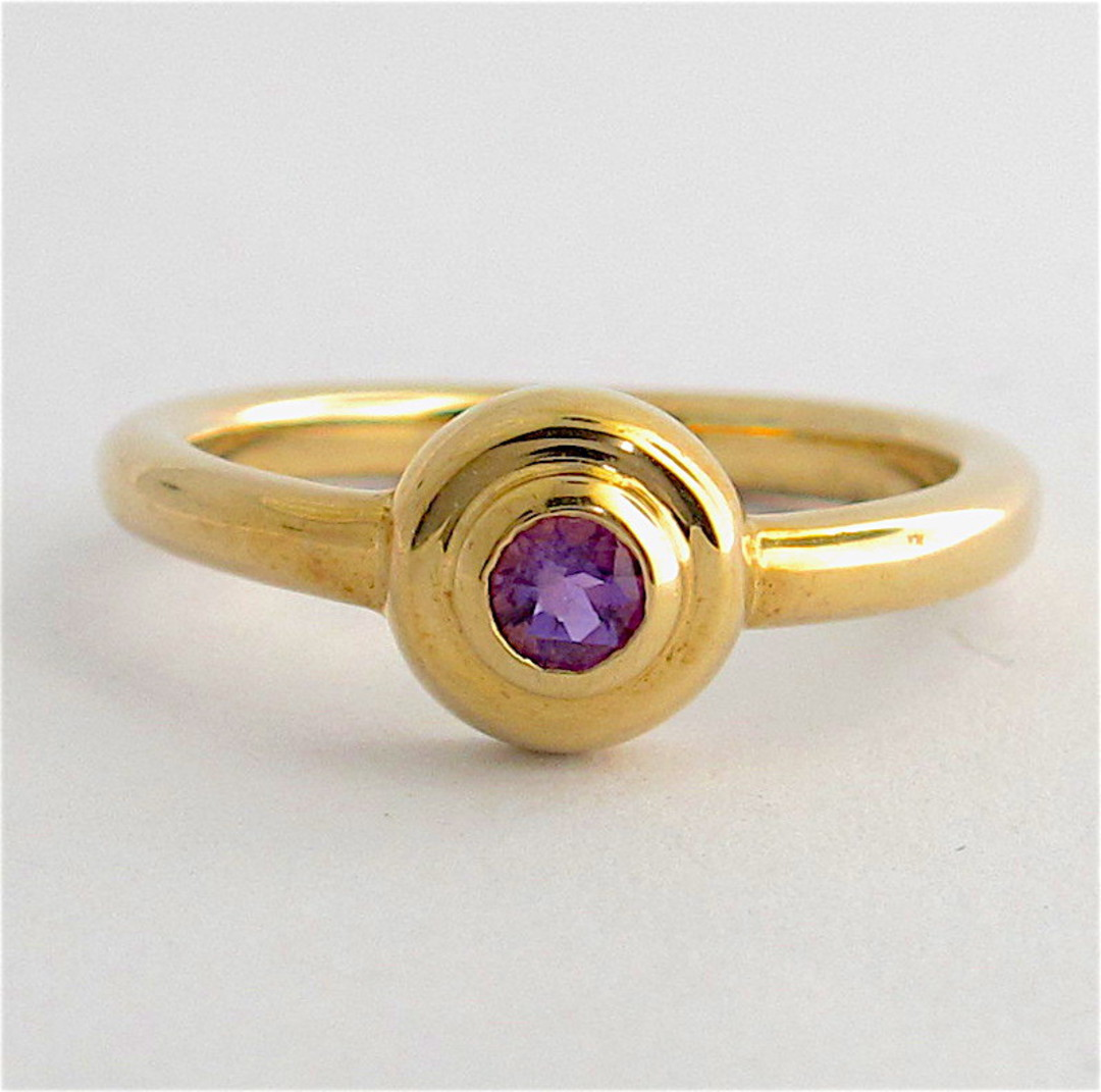 9ct yellow gold and amethyst dress ring image 0