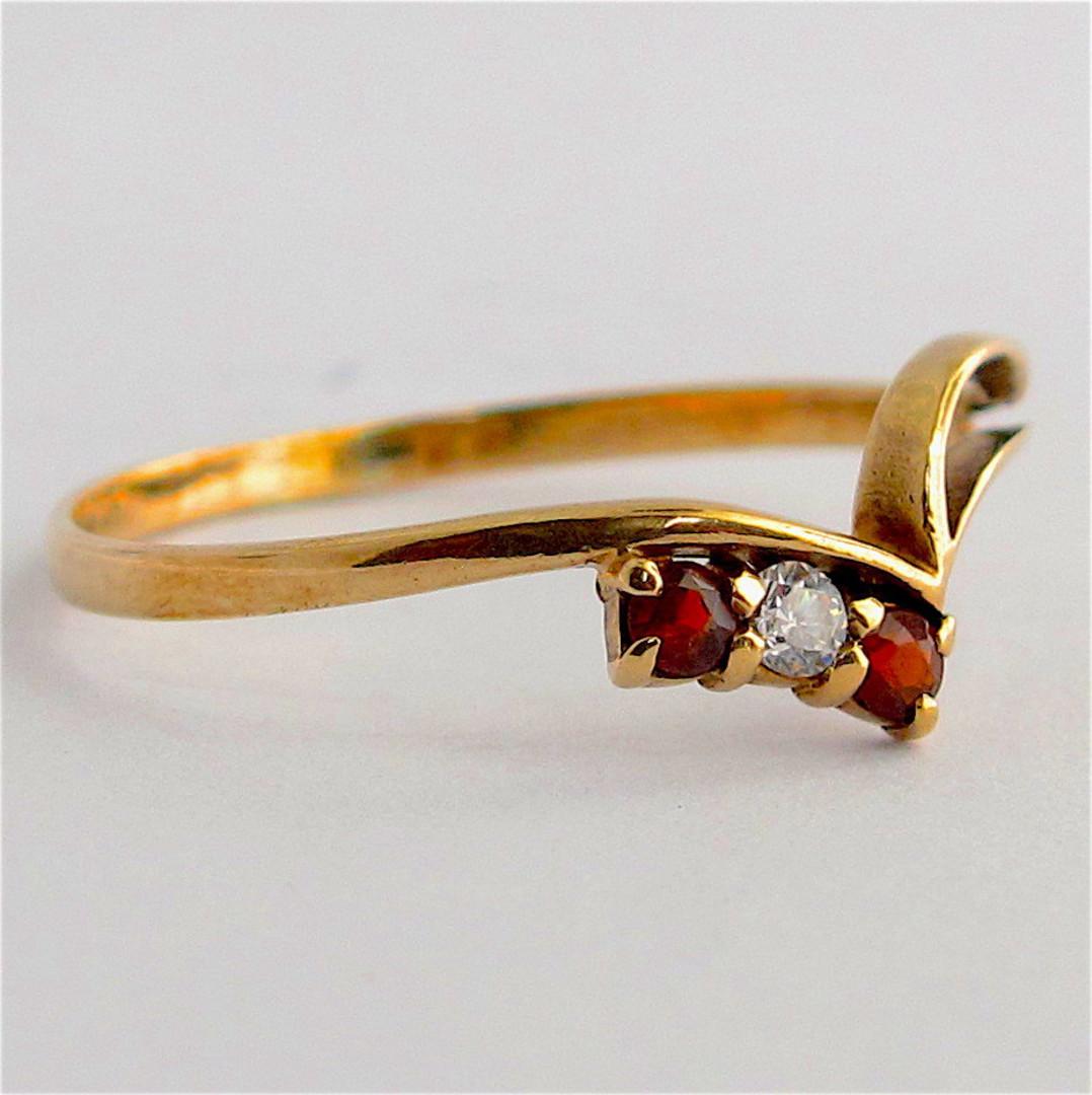 9ct yellow gold garnet and diamond ring image 1