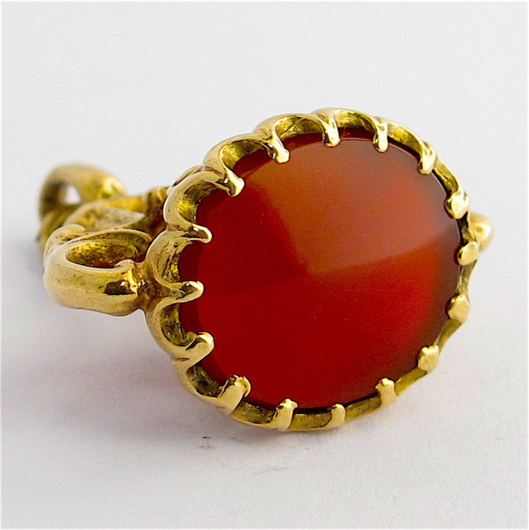 9ct yellow gold antique style carnelian pendant image 1