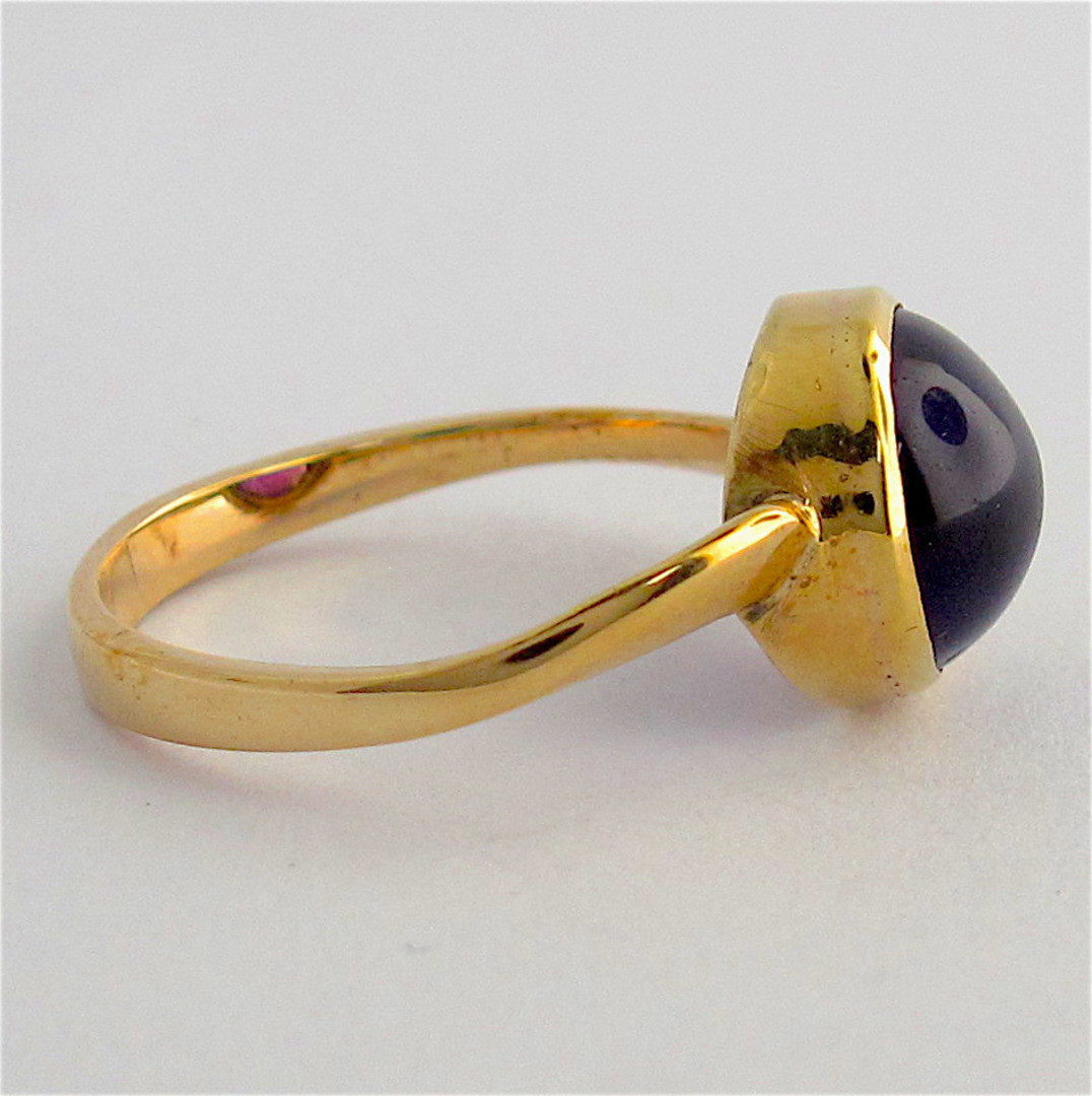 9ct yellow gold cabochon cut amethyst ring image 1