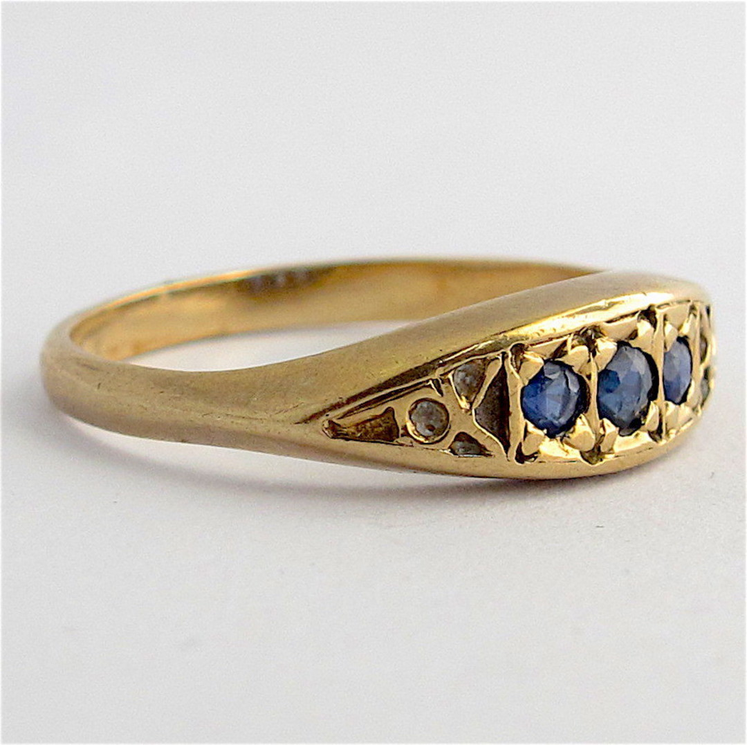 9ct yellow gold vintage style sapphire dress ring image 1
