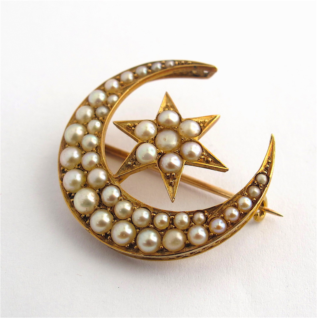 9ct yellow gold antique seed pearl star & crescent brooch image 0