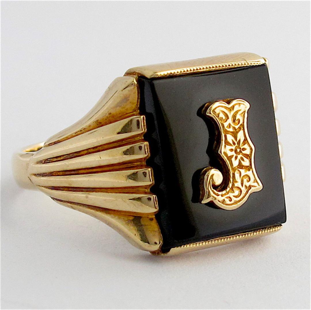 9ct yellow gold men's vintage 'J motif' onyx ring image 1