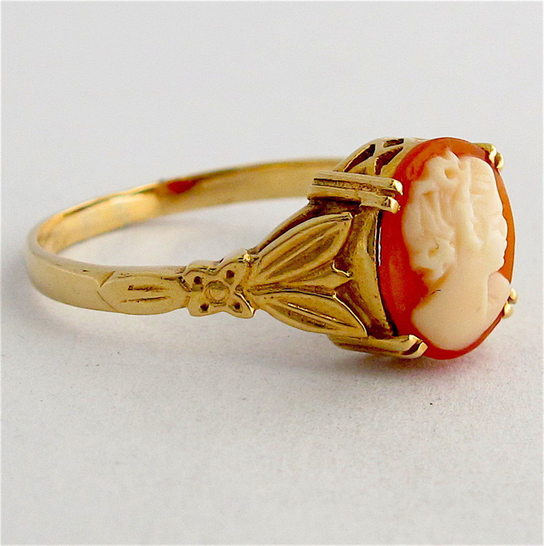 9ct yellow gold shell cameo dress ring image 1