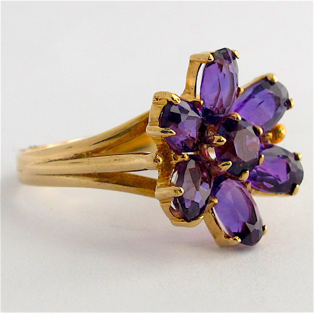 9ct yellow gold amethyst flower style ring image 1