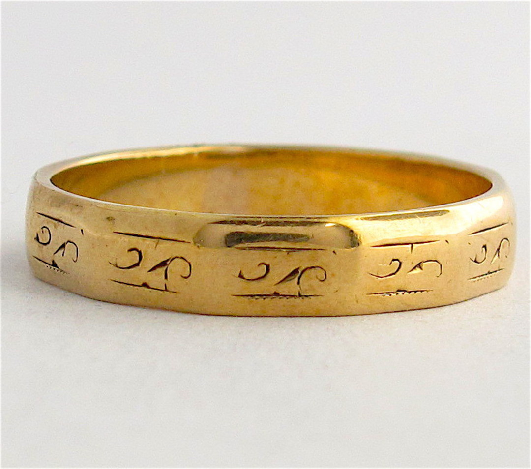 9ct yellow gold engraved dress band image 0