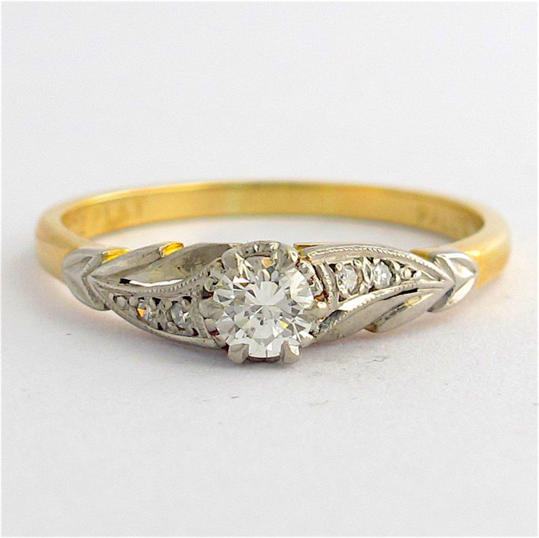 18ct yellow gold/platinum and palladium vintage diamond solitaire ring image 0