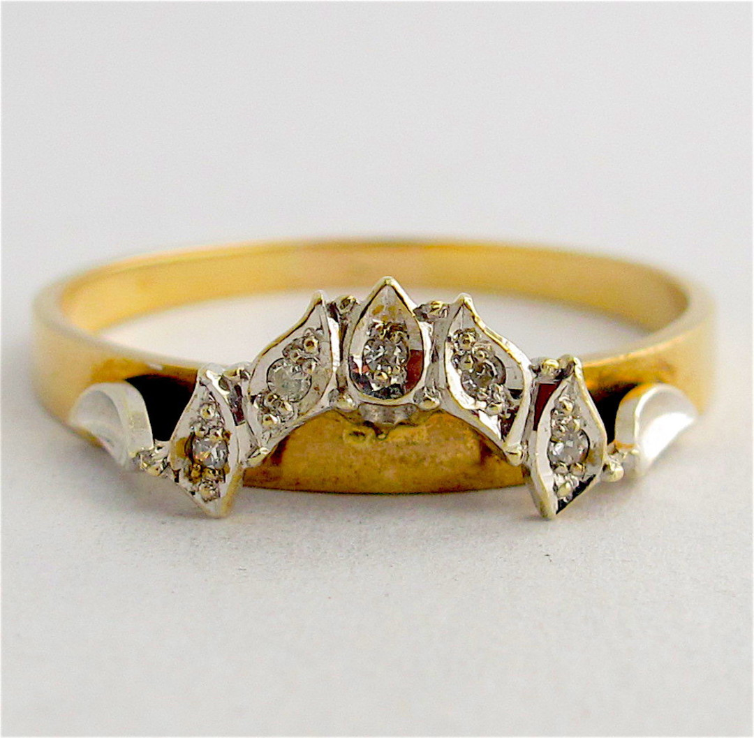 9ct yellow gold curved diamond wedding ring image 1