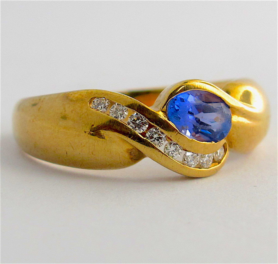 9ct yellow gold tanzanite and diamond ring image 1