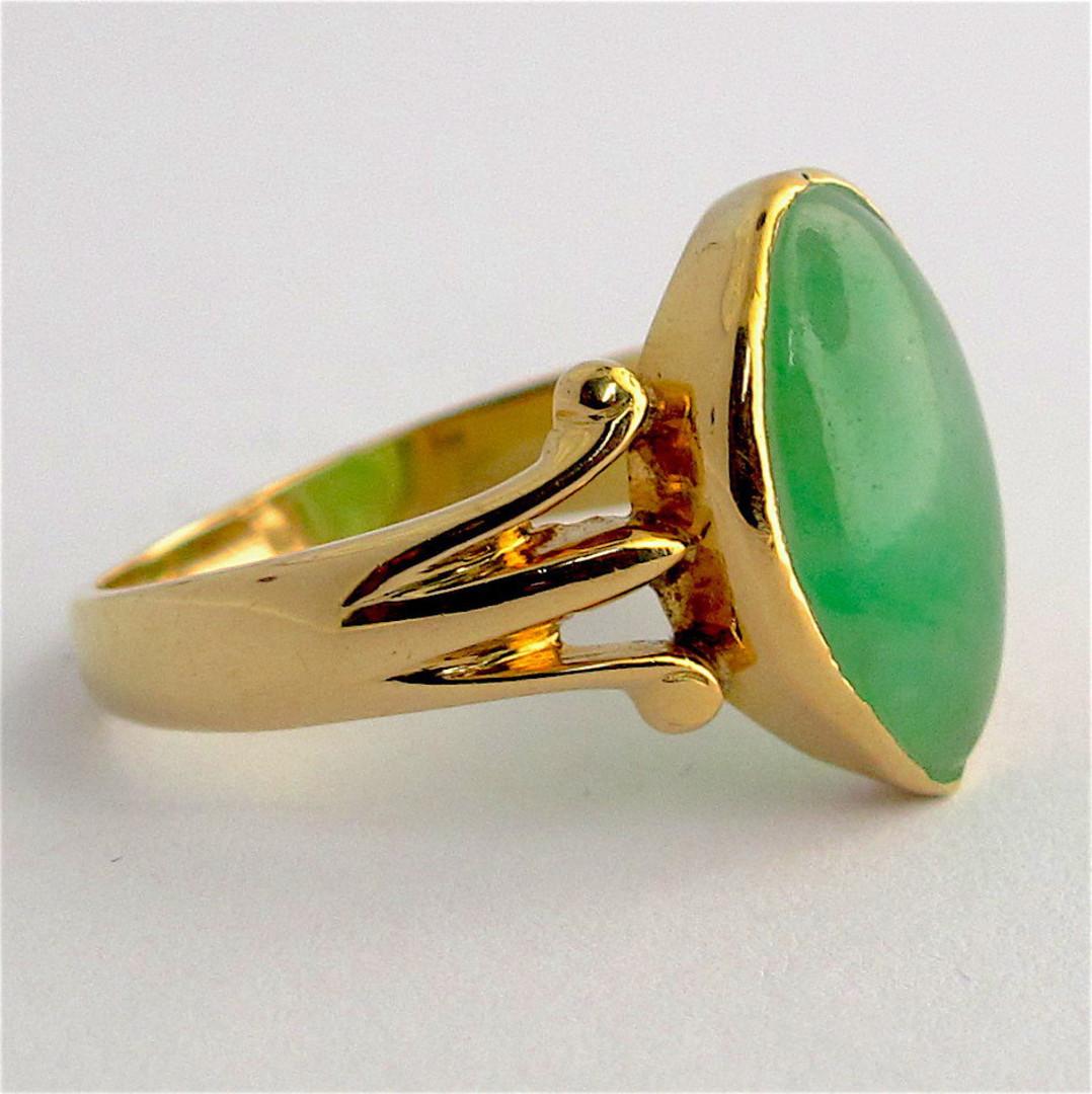 18ct yellow gold jade ring image 1