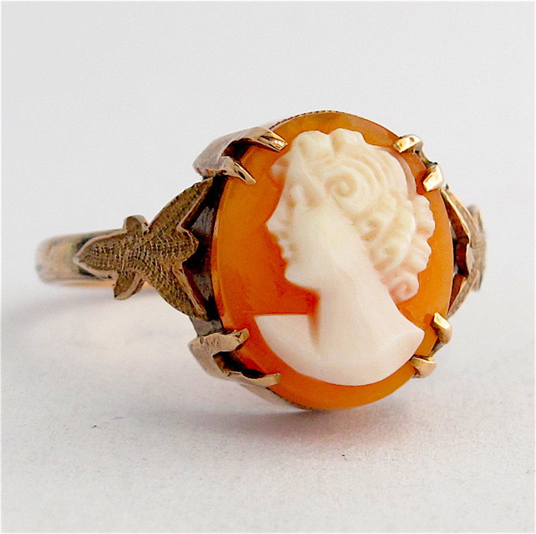 9ct yellow gold vintage shell cameo dress ring image 0