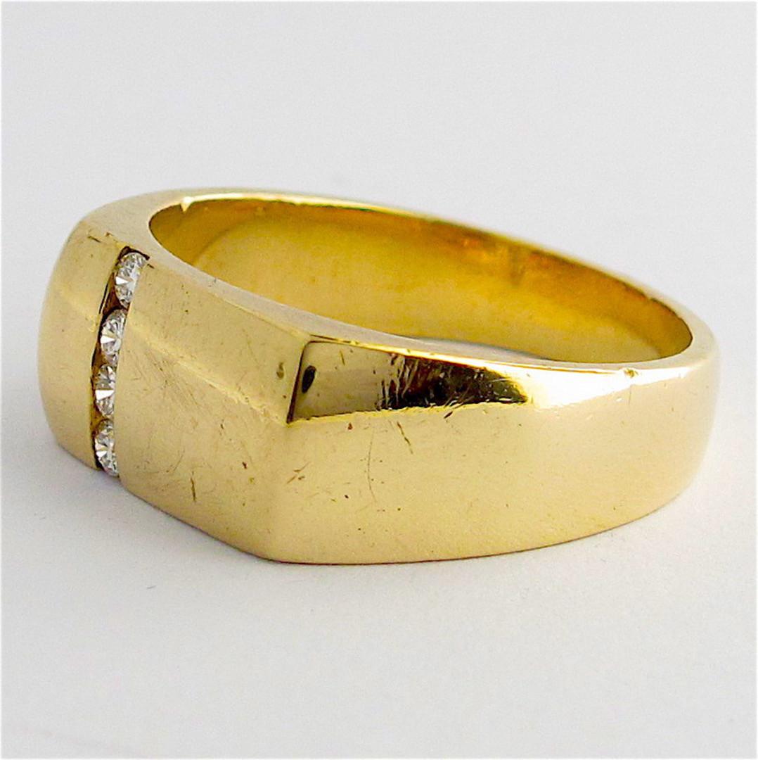 9ct yellow gold and diamond set Gent's dress ring image 1
