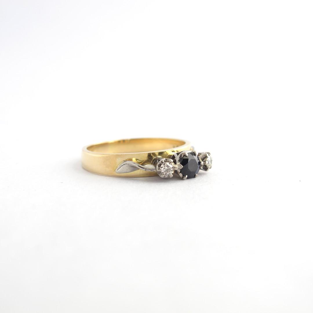 18ct yellow & white gold sapphire and diamond 3 stone ring image 1