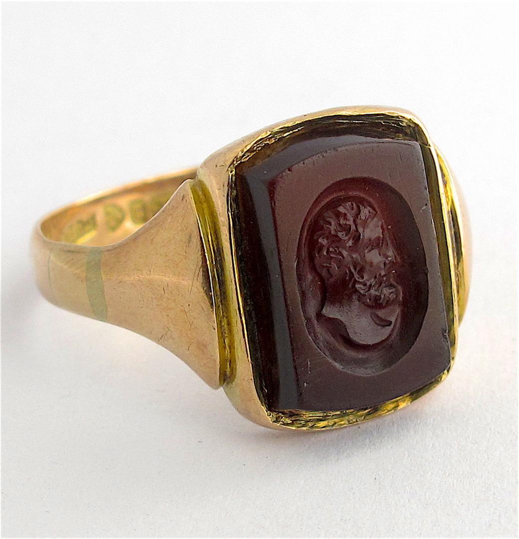 Men's 9ct yellow/rose gold antique carnelian signet ring image 1