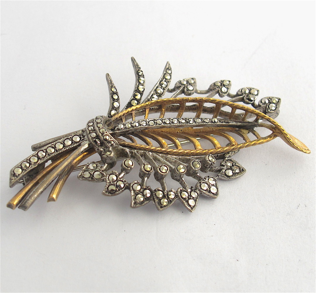 Vintage 9ct yellow gold/sterling silver marcasite set brooch image 0