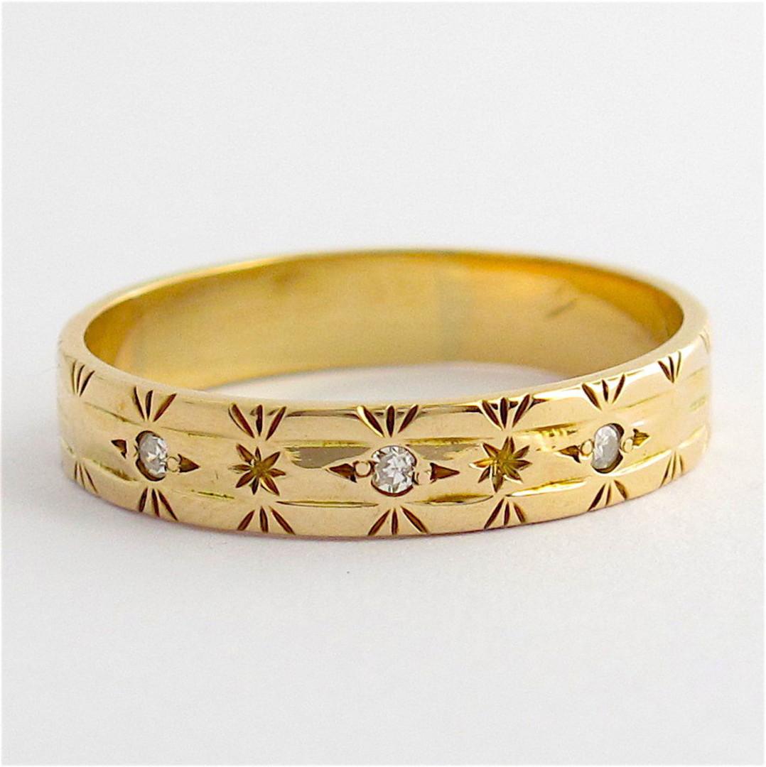 9ct yellow gold engraved diamond set band image 0